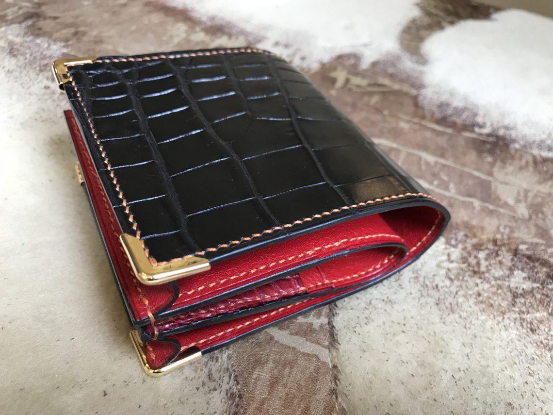 100万円がピタッと収まるクロコダイルの財布をオーダーメイド
