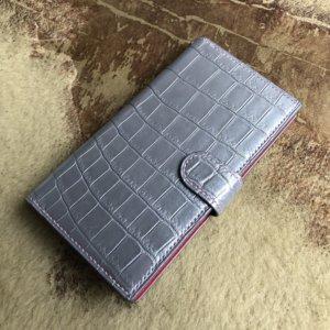 クロコダイルでiphone8plusのスマホケースをオーダーメイド