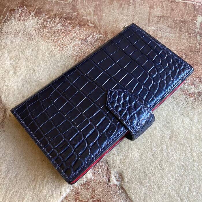 クロコダイル手帳型スマホケース